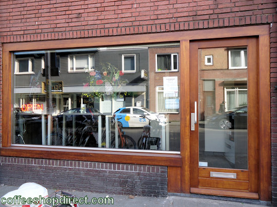 coffee shop Maximillian, Tilburg, Noord Brabant for cannabis with address, telephone number, opening times, Facebook, Instagram, reviews, map, inside view, picture