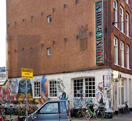 smoker-friendly bar Sound Garden, Amsterdam, Noord Holland allowing pure cannabis consumption with address, telephone number, opening times, Facebook, Instagram, reviews, map, inside view, picture