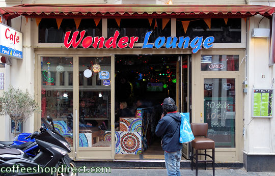 smoker-friendly bar Wonder Lounge, Amsterdam, Noord Holland allowing pure cannabis consumption with address, opening times, Facebook, Instagram, map, inside view, picture